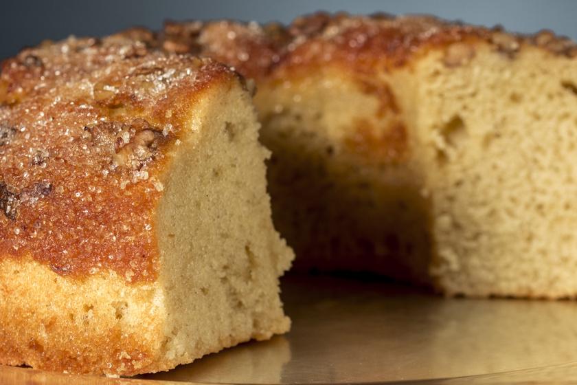 Egyszerű, omlós diós kuglóf: tökéletes őszi vendégváró sütemény