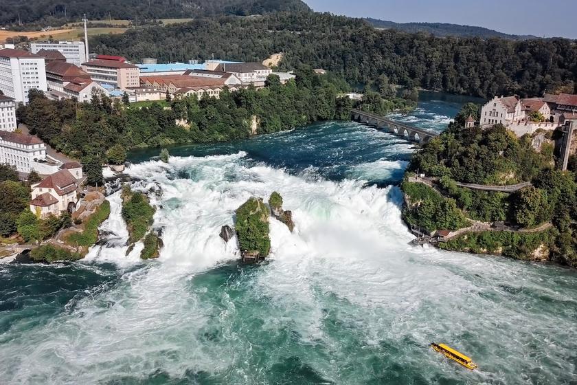Svájcban bújik meg Európa legnagyobb vízesése: a Rheinfall egy varázslatos világot idéz