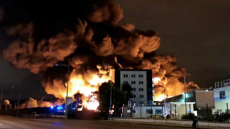 Vegyi üzem robbant Rouenban, iskolákat zártak be, az utcára se lehet kimenni