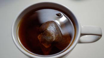 Mikroműanyagok milliárdjai szabadulnak ki a műanyag teafilterekből