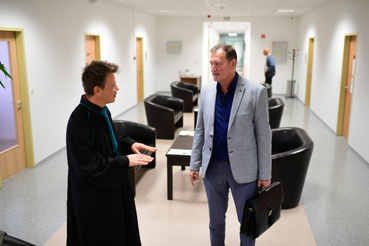 Alekszej Torubarov ügyvédjével Fazekas Tamással a tárgyalás előtt