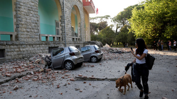 Földrengés volt Albániában, többen pánikolva futottak az utcákra