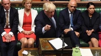 Többen is bocsánatkérésre szólították fel Boris Johnsont