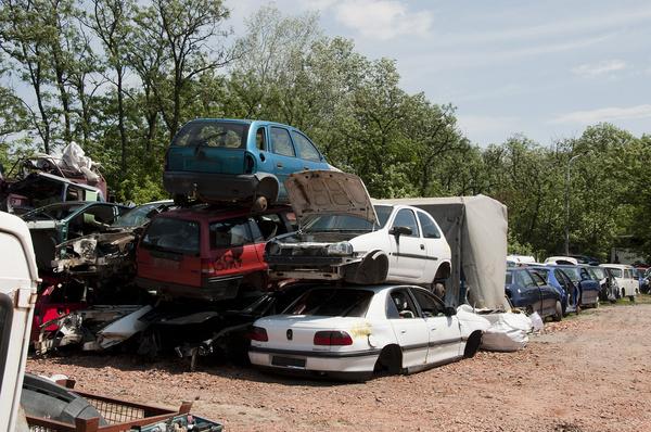 1200-1300 autót vettek át a Késmárk utcai telepen 2007-ben. Tavaly már csak 400-at