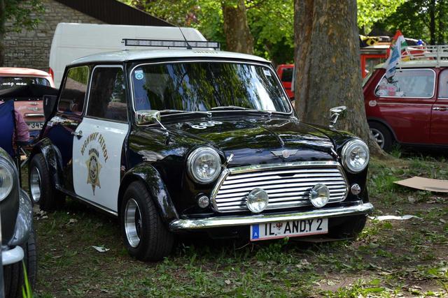 Amerikai autópálya-rendőr osztrák Mini