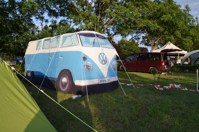 Ha nem is Mini, de azért stílusos az a sátor