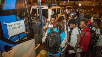 Ruandába is jut a Líbiában rekedt menekültekből