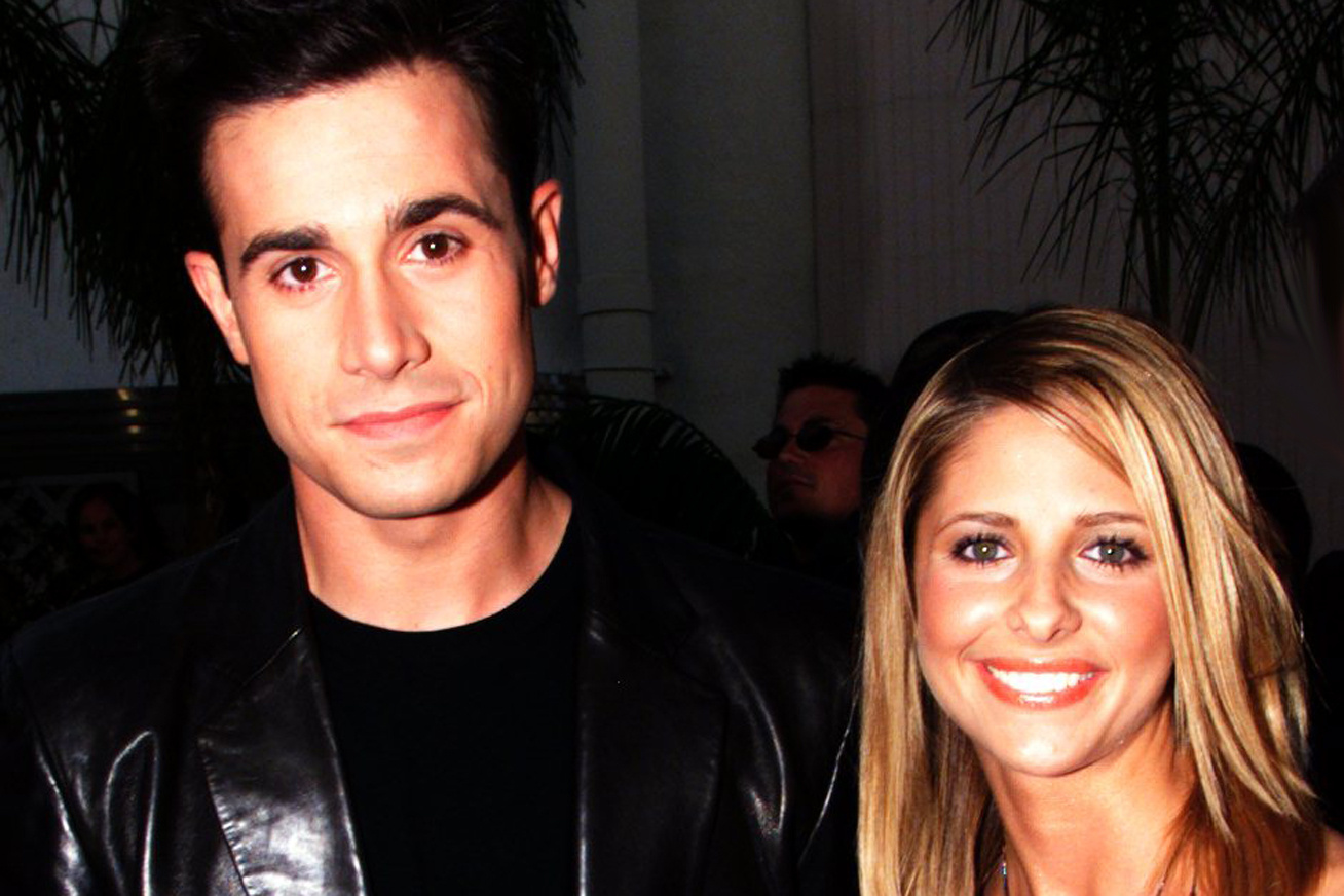 sarah-michelle-gellar-freddie-prinze-jr-regen-es-most-cover