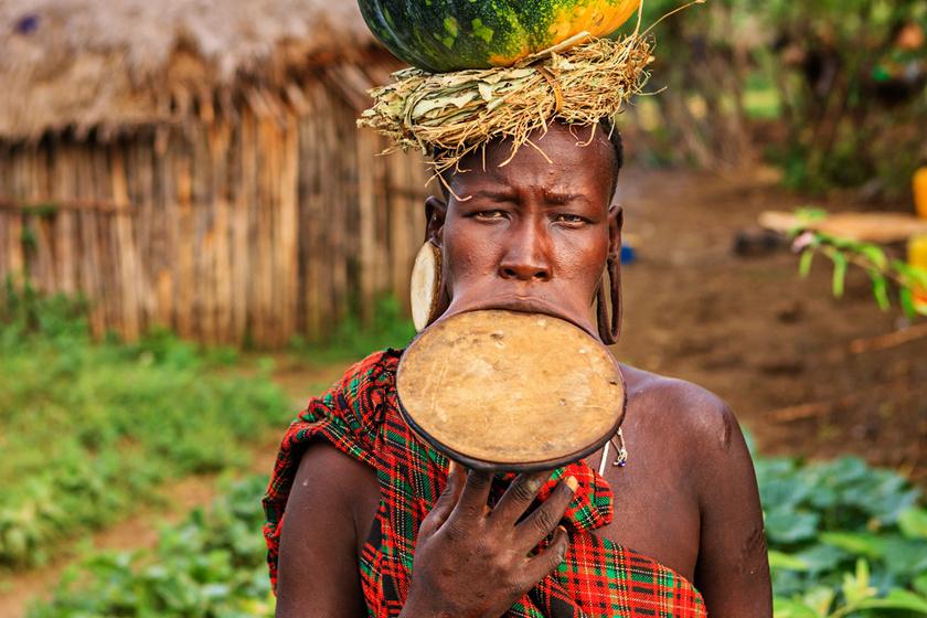25 centis tányérral a szájukban élnek, hogy kívánatosabbak legyenek - Enni és inni is alig tudnak a szépségük érdekében