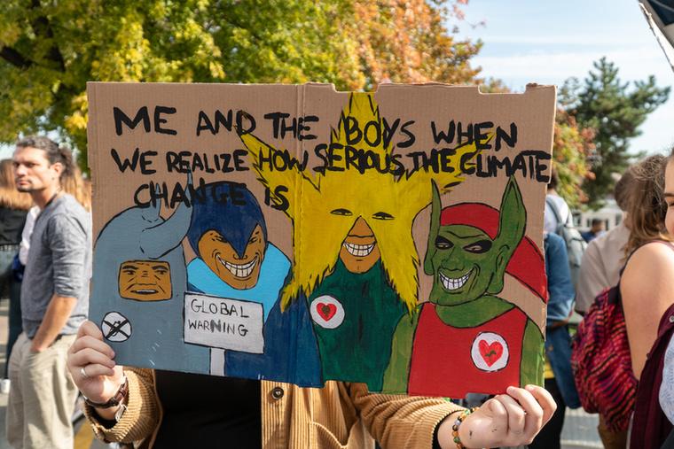 """Kreatív kikacsintás az online mémvilágra: """"Amikor én és a fiúk rájövünk, hogy milyen fontos a klímaváltozás."""""""