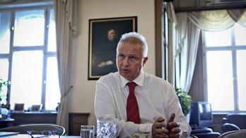 Azt állítja Trócsányi ügyvédi irodája, hogy ingyen adtak tanácsot a névadó miniszternek