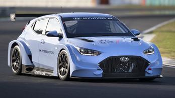 Nálunk tesztelte a Hyundai első villanyos versenyautóját