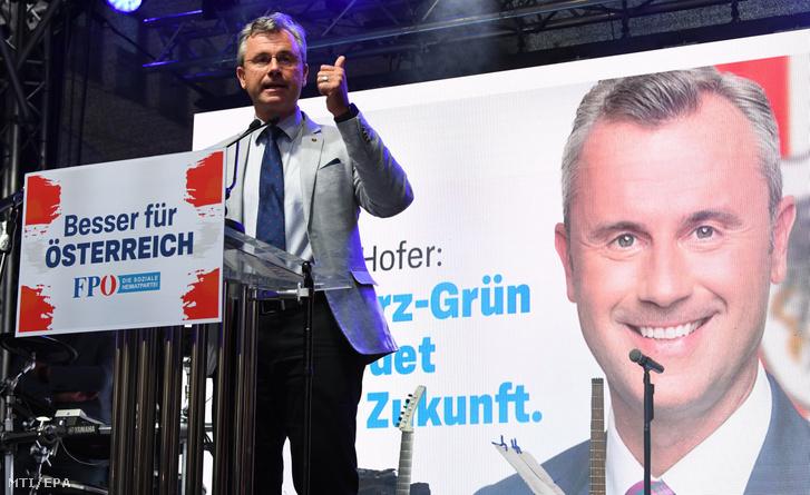 Norbert Hofer, az Osztrák Szabadságpárt (FPÖ) elnöke és listavezetője beszél egy bécsi kampányeseményen 2019. szeptember 27-én