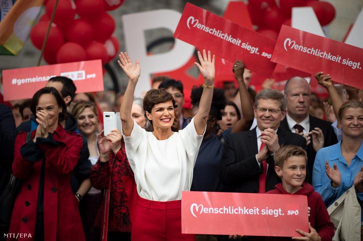 Pamela Rendi-Wagner, az Osztrák Szociáldemokrata Párt (SPÖ) elnöke és listavezetője egy bécsi kampányeseményen 2019. szeptember 27-én