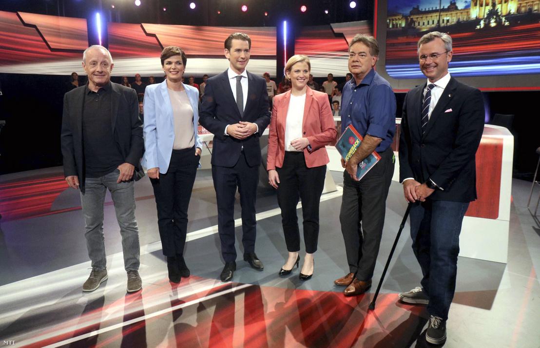 Peter Pilz, a Liste Jetzt párt, Pamela Rendi-Wagner, az Osztrák Szociáldemokrata Párt (SPÖ), Sebastian Kurz, az Osztrák Néppárt (ÖVP), Beate Meinl-Reisinger, a NEOS párt elnöke, Werner Kogler, a Zöldek listavezetője és Norbert Hofer, az Osztrák Szabadságpárt (FPÖ) elnöke (b-j) a választási televíziós vita megkezdése előtt Bécsben 2019. szeptember 26-án.