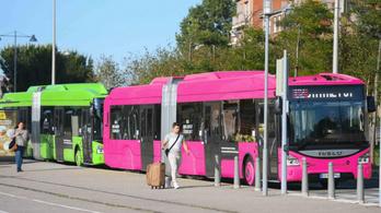 Ingyenes lett a buszközlekedés, letették az autót a Dunkerque-ben
