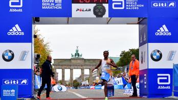 Lenyűgöző futás a Berlin Maratonon, két másodpercre volt a világcsúcs