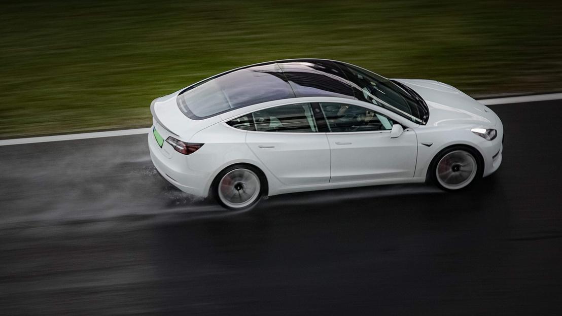 Itt még senki se tudja, hogy aznap ennél nem sok gyorsabb autó lesz a Hungaroringen