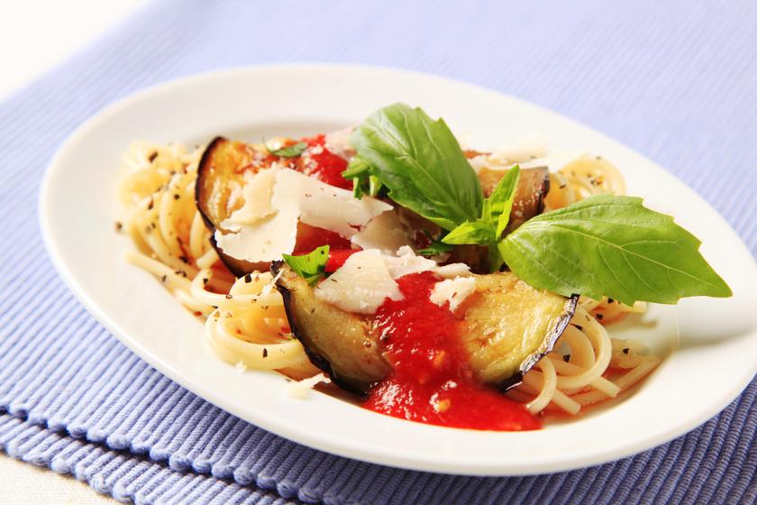 Padlizsános, parmezános spagetti: könnyed, olaszos ízek