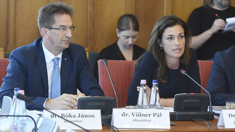 Az Igazságügyi Minisztérium a nyilvánosság nyomásától félti az alkotmányrevíziót