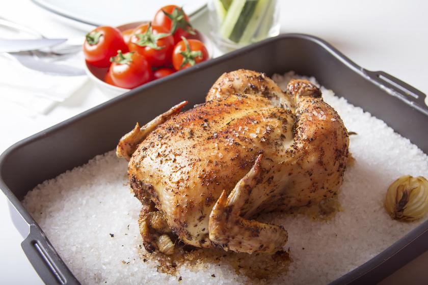 Sóágyon sült csirke: olyan lesz, mintha kemencében készült volna
