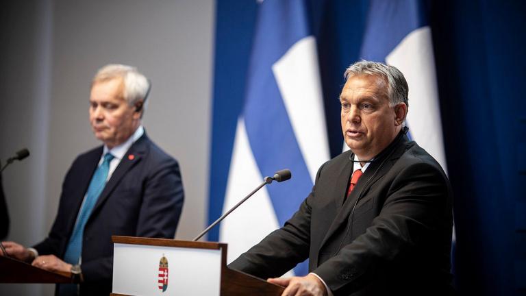 Orbán: Az EP nem válogathat a magyar emberek által megválasztottak között