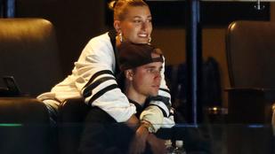 Justin Bieber 10 éves közös fotót posztolt a feleségével, az esküvőjükre pedig egy exét is meghívta