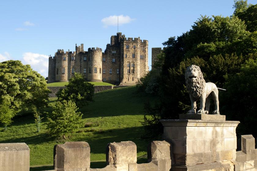 Alnwick történelmi várának kertje Észak-Anglia egyik legszebb látványossága. Itt kapott helyet a különösen veszélyes Méregkert is.