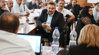 Sikkasztás miatt másfél év letöltendő börtönbüntetésre ítélték Siklósnagyfalu polgármesterét