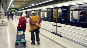 Kapnak még átlagosan 30 ezer forintot a nyugdíjasok