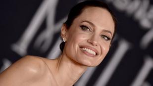 Angelina Jolie a vörös szőnyegen mutatta meg gyerekeit