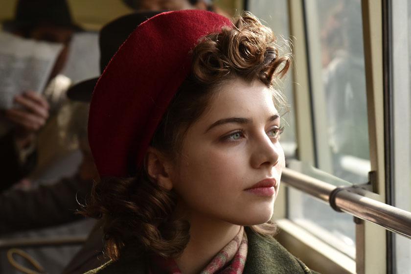 21 éves színésznő az Oscarra nevezett magyar film sztárja - A külföldi lapok is dicsérik