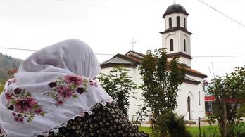 Bosnyák háborús menekült kisajátított földjére húztak fel szerb ortodox templomot, le kell bontani