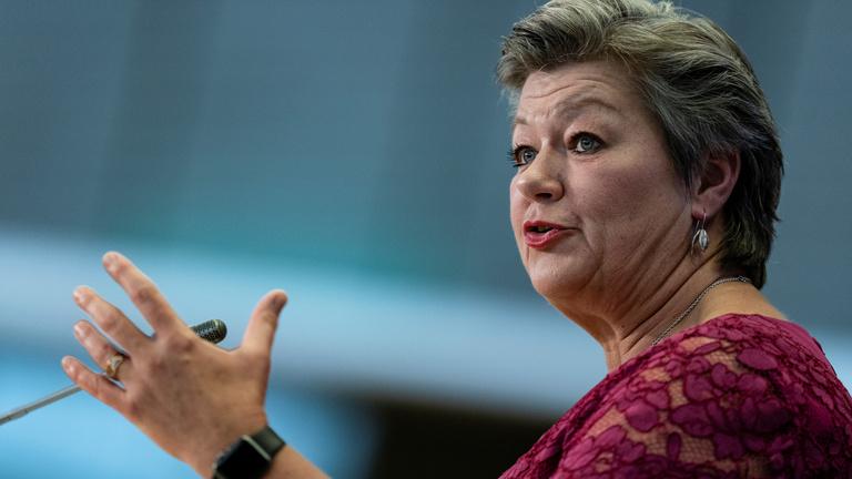 Új menekültügyi szabályozást szeretne a svéd biztosjelölt