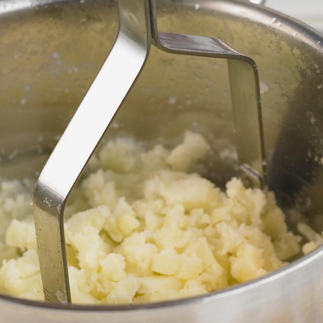 Mitől lesz könnyű és habos a krumplipüré, és mitől nem?
