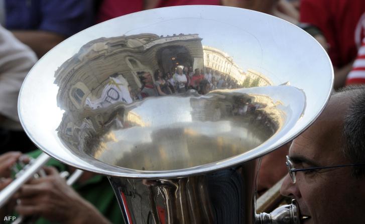 A La Scala dolgozói 2010 júniusában is tüntettek a költségvetés tervezett csökkentése miatt.