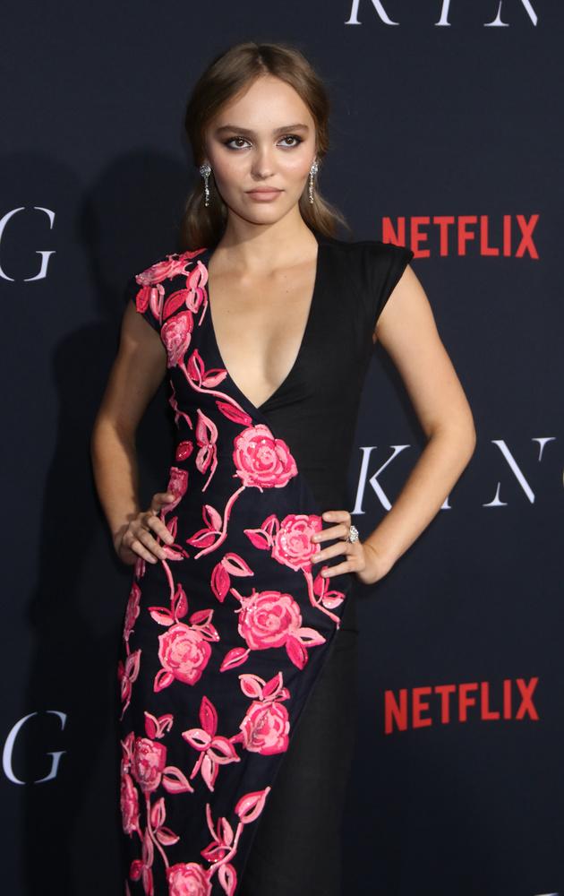 Lily-Rose Deppre a legtöbben úgy gondolnak, mint Johnny Depp lányára, de olyan ember is akadhat, akinek mint modell él a fejében a 20 éves lány