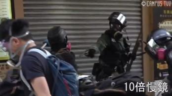 Letartóztatták az éles lőszerrel meglőtt hongkongi diákot