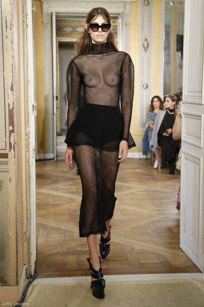 Ezzel a modellel pedig Olivier Theyskens csigázta a divathét közönségét.