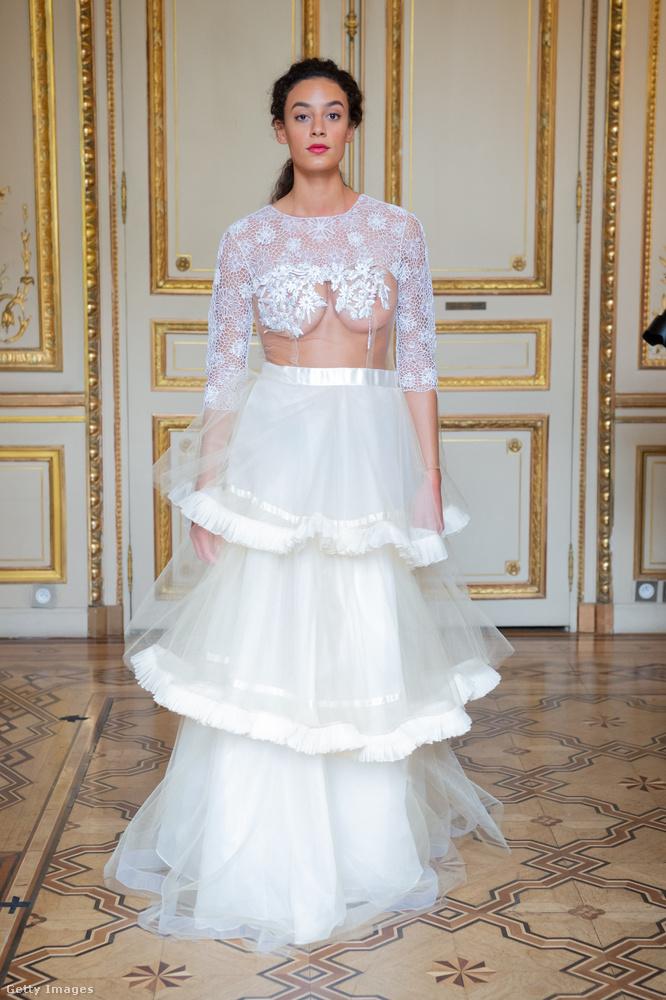 A Flying Solónak ez a ruhája akár menyasszonyi ruhának is elmenne