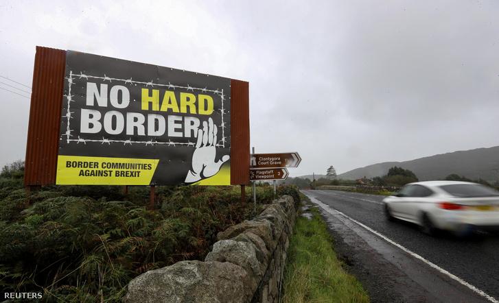 Plakát az északír határnál
