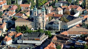 Gulyás Gergely azzal riogatott Egerben, hogy az ellenzék háborús hídfőállás-foglalásra készül
