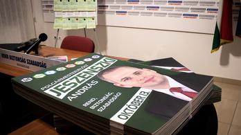 Nemcsak leszedték az ellenzék plakátjait, de a számlát is benyújtották