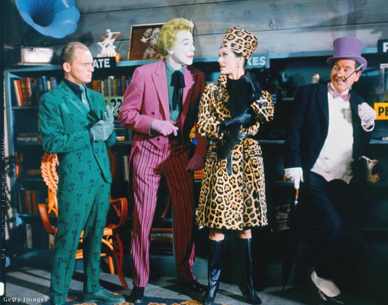 1. Cesar Romero (balról a második) (Batman tévésorozat, 1966)