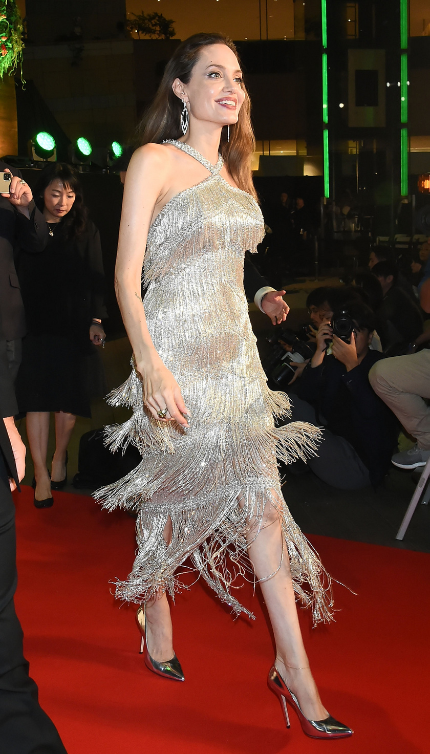 Angelina Jolie szinte ragyogott az esti premieren.