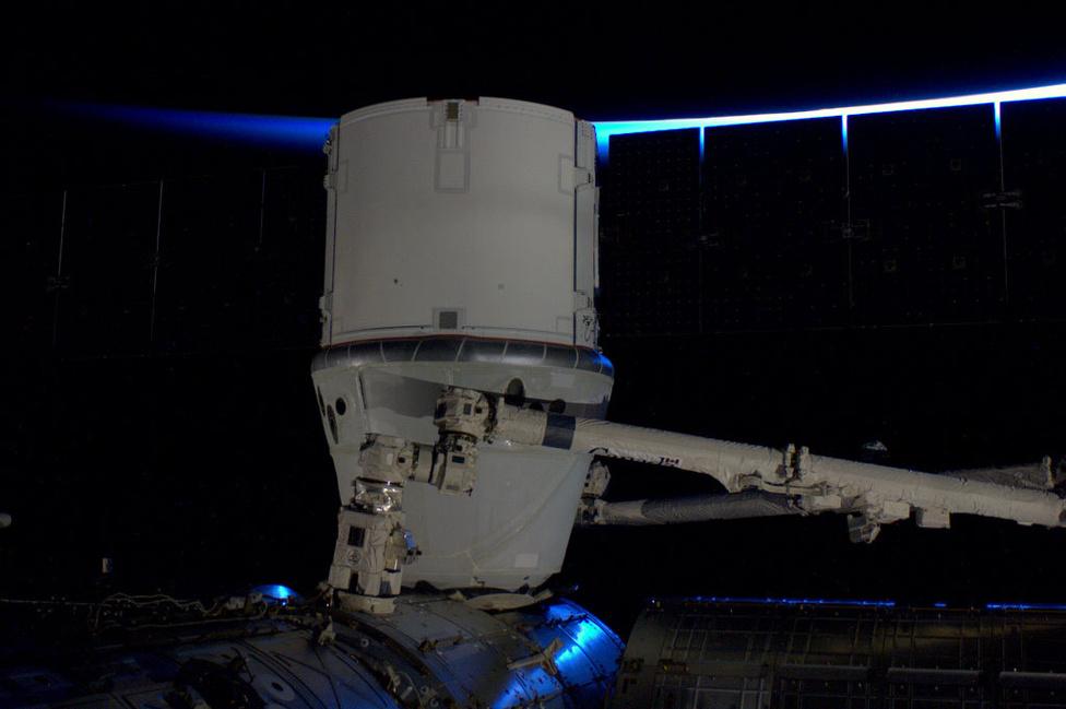 A dokkolás sikeres volt, a kapszula tökéletesen illeszkedett az ISS moduljához.