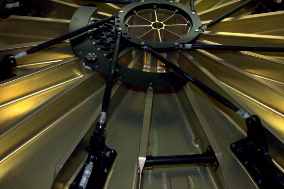"""""""A Sárkány arany kapuja"""" - írta André Kuipers űrhajós a Dragon záróberendezéséről."""