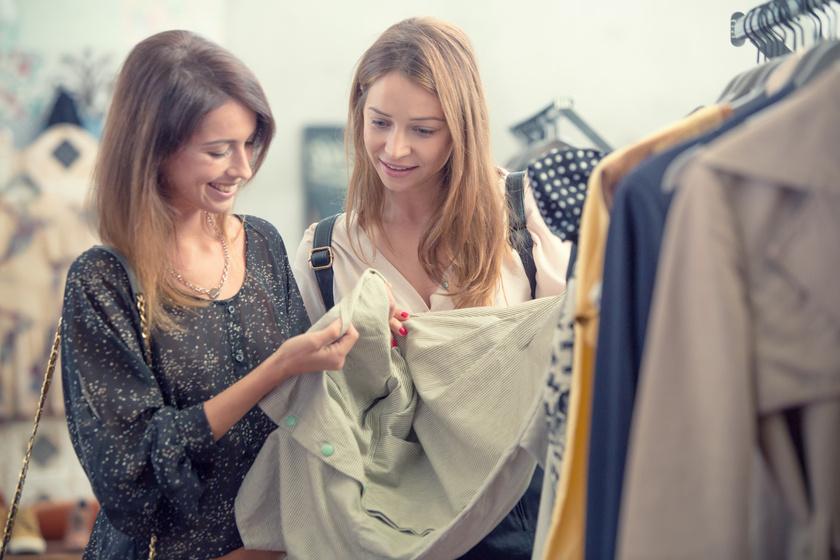 5 szuper trükk, hogy a legszebb ruhákat szerezd be a turkálókban: amit mindenképpen nézz meg vásárlás előtt