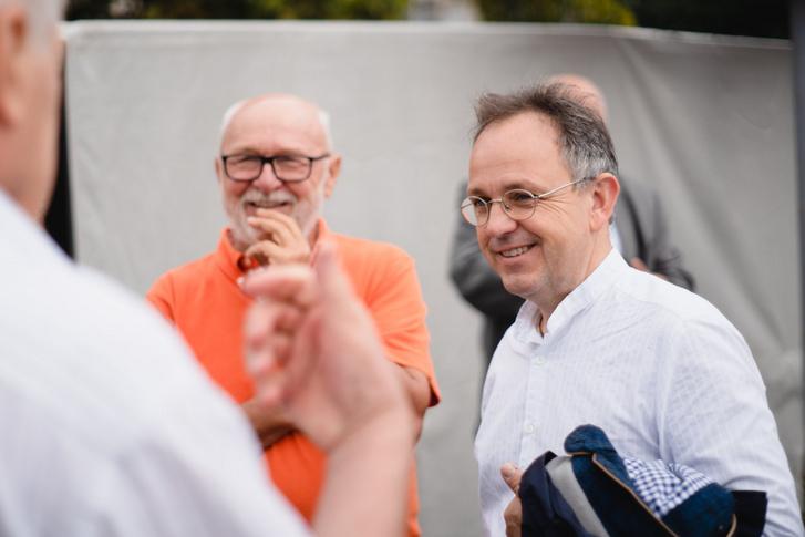 Bús Balázs (jobb oldalt)