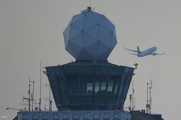 A Liszt Ferenc-repülőtér irányítótornyából a HungaroControl területén kialakított új irányítóközpontba kerül át a repülőtéri forgalom irányítása